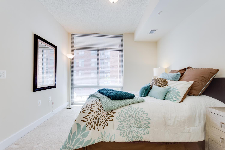 3600 S Glebe Rd 427 Arlington-large-011-Bedroom-1500x1000-72dpi