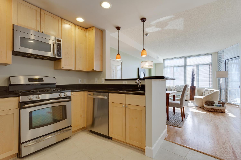 3600 S Glebe Rd 427 Arlington-large-015-Kitchen-1500x1000-72dpi