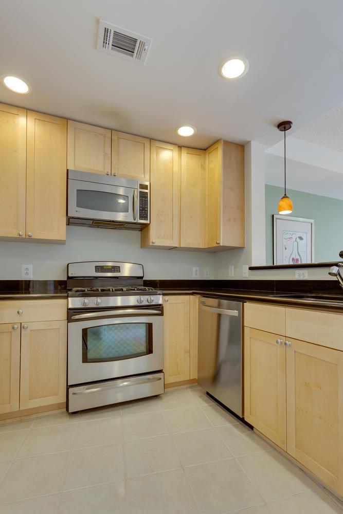3600 S Glebe Rd 427 Arlington-large-016-Kitchen-667x1000-72dpi