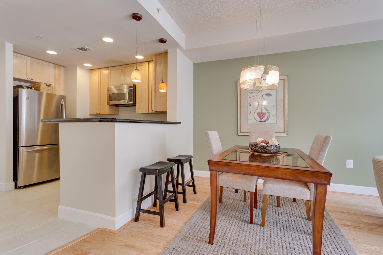 3600 S Glebe Rd 427 Arlington-large-018-Dining Room-1500x1000-72dpi