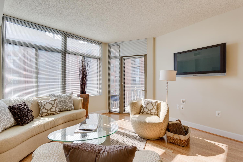 3600 S Glebe Rd 427 Arlington-large-021-Living Room-1500x1000-72dpi
