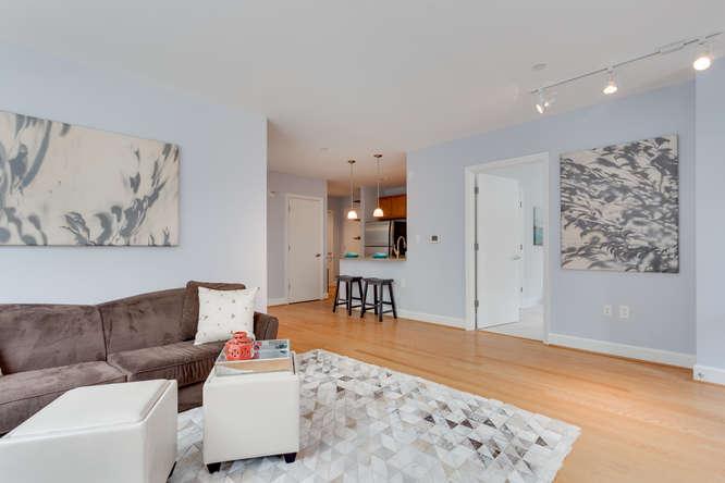 150 V St NW VL07 Washington DC-small-011-Living Room-666x444-72dpi