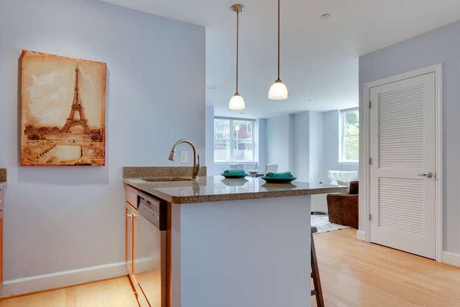 150 V St NW VL07 Washington DC-small-014-Kitchen-666x444-72dpi
