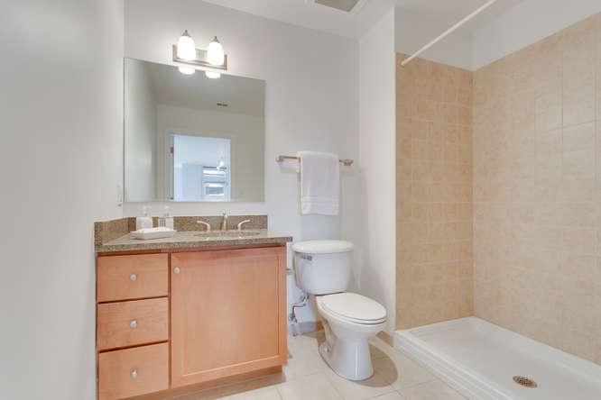 150 V St NW VL07 Washington DC-small-022-Bathroom-666x444-72dpi