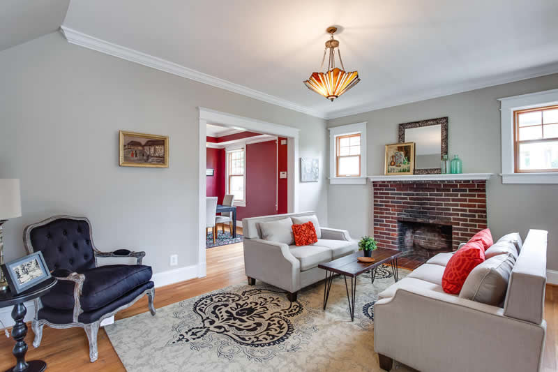 1617 Newton St NE Washington-large-015-Living Room-1500x1000-72dpi