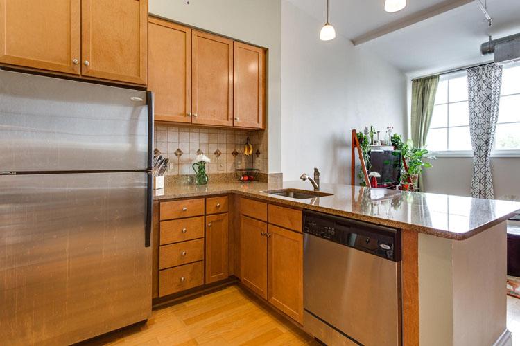 2035-2nd-Street-G302-large-017-KitchenBreakfast-Area-1500x1000-72dpi