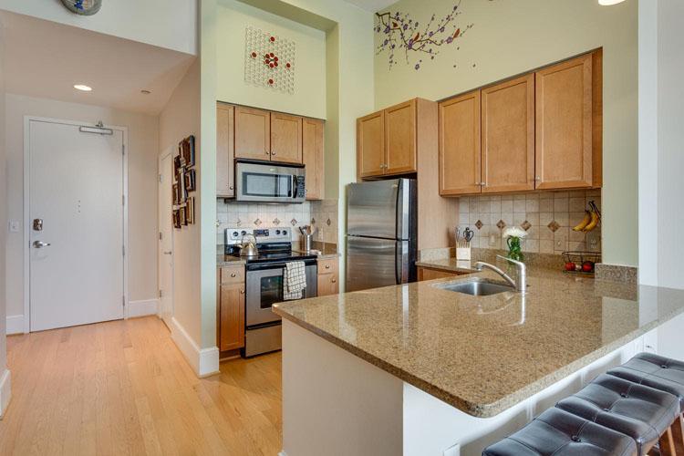 2035-2nd-Street-G302-large-018-KitchenBreakfast-Area-1500x1000-72dpi