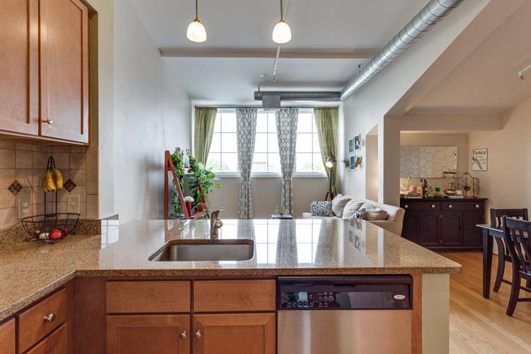 2035-2nd-Street-G302-large-020-KitchenBreakfast-Area-1500x1000-72dpi
