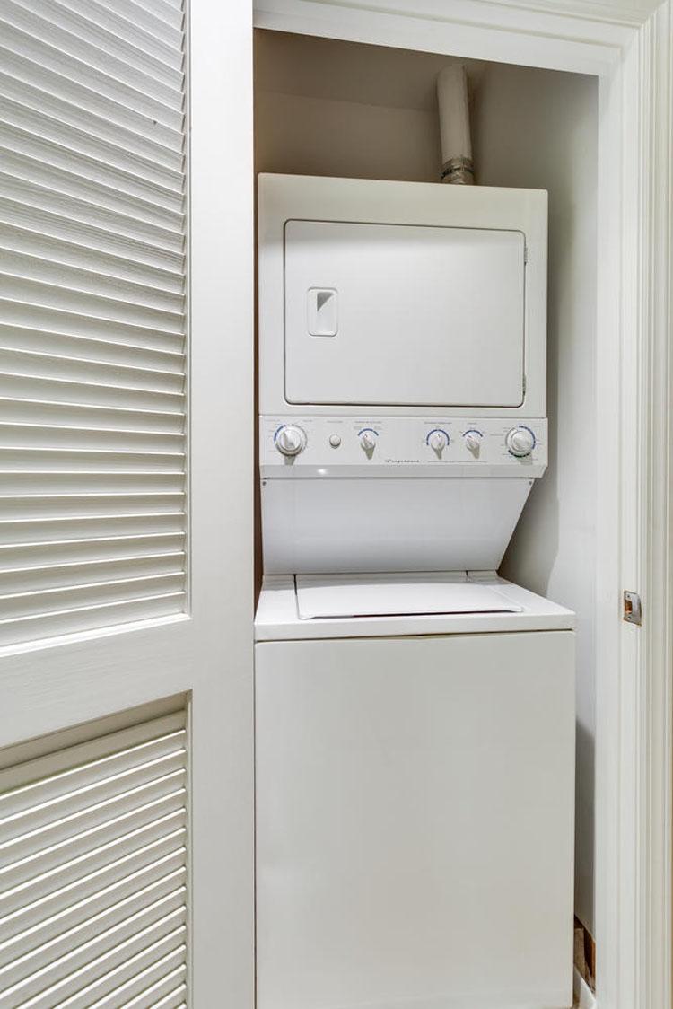 2035-2nd-Street-G302-large-039-Laundry-667x1000-72dpi