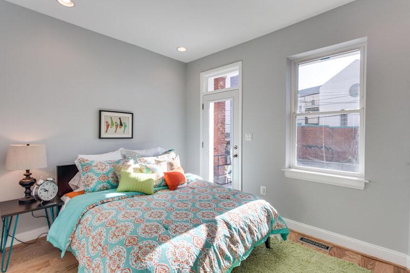 22-Rhode-Island-Ave-NW-Unit-1-large-019-Master-Bedroom-1500x1000-72dpi