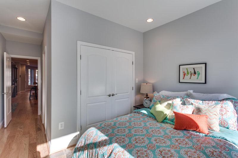22-Rhode-Island-Ave-NW-Unit-1-large-020-Master-Bedroom-1500x1000-72dpi