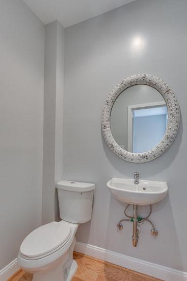 22-Rhode-Island-Ave-NW-Unit-1-large-021-Bathroom-667x1000-72dpi