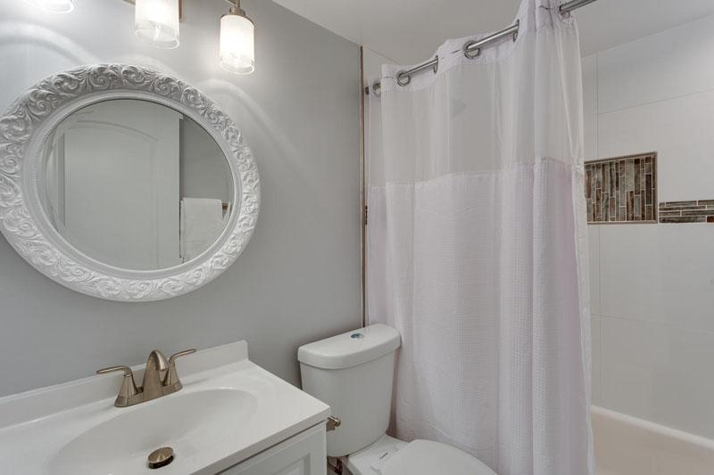 22-Rhode-Island-Ave-NW-Unit-1-large-028-Bathroom-1500x1000-72dpi