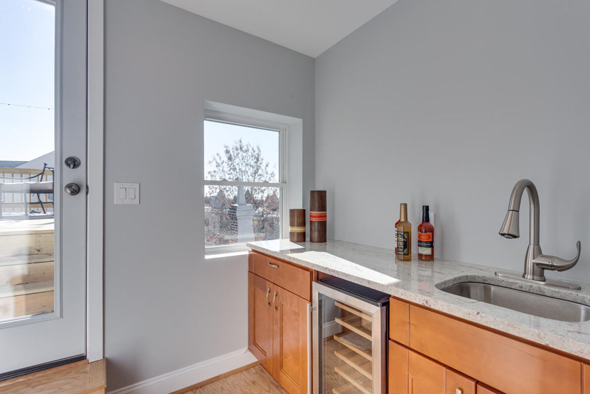 22-Rhode-Island-Ave-NW-Unit-2-large-036-Wet-Bar-1500x1000-72dpi