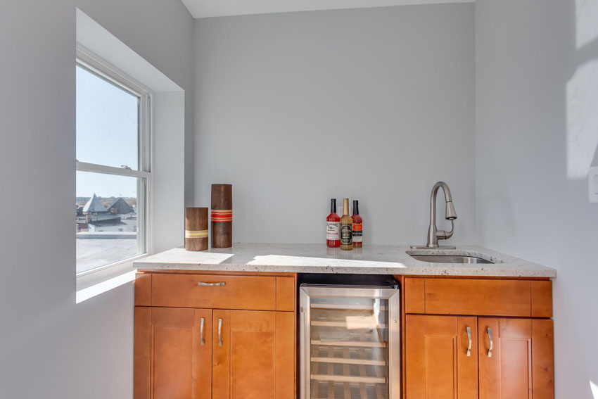 22-Rhode-Island-Ave-NW-Unit-2-large-037-Wet-Bar-1500x1000-72dpi