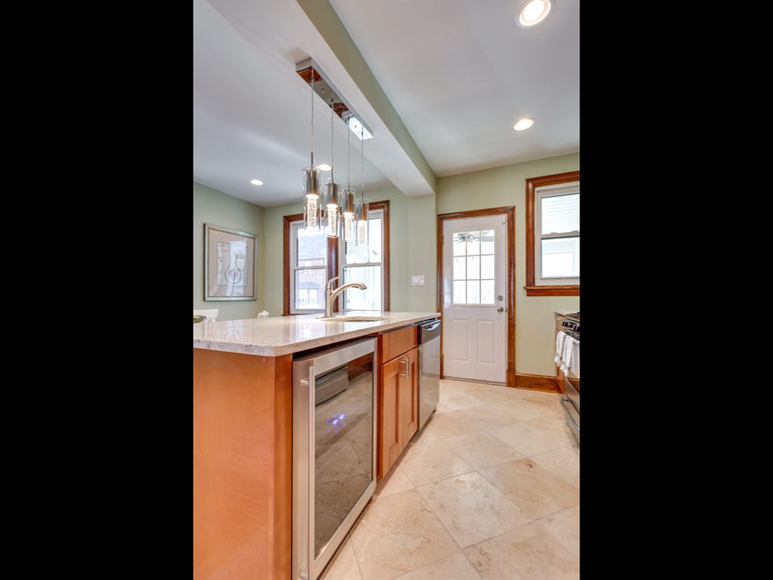 530 Quintana Pl NW Washington-MLS_Size-013-KitchenBreakfast Bar-2048x1536-72dpi