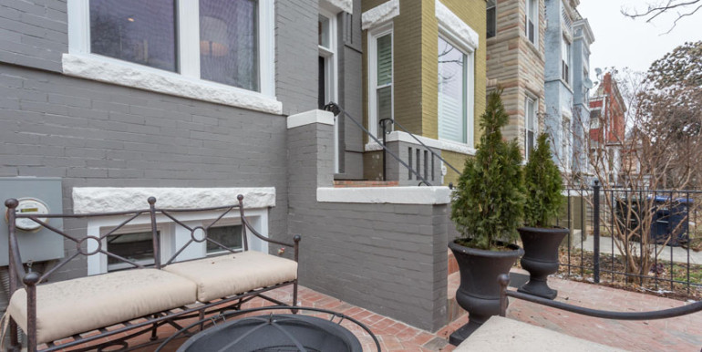 1010 K St NE Washington DC-large-005-Patio-1500x1000-72dpi