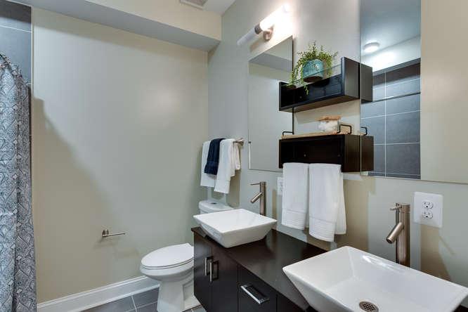 29-Q-St-NE-1-Washington-DC-small-026-Bathroom-666x444-72dpi