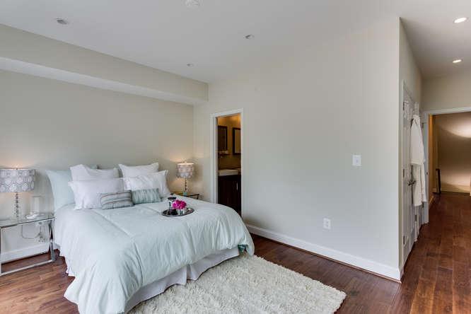 29-Q-St-NE-1-Washington-DC-small-032-Master-Bedroom-666x444-72dpi