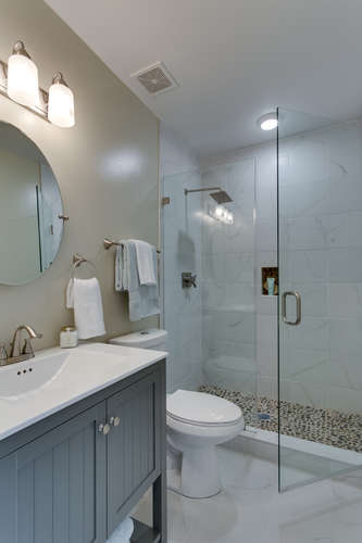29-Q-St-SW-Unit-2-Southwest-small-032-Bathroom-334x500-72dpi