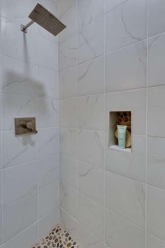 29-Q-St-SW-Unit-2-Southwest-small-033-Bathroom-334x500-72dpi