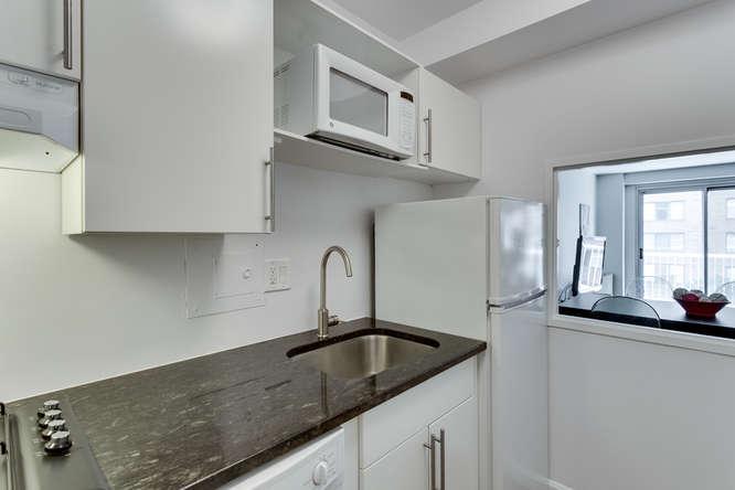 730 24th St NW Unit 312-small-007-Kitchen-666x444-72dpi
