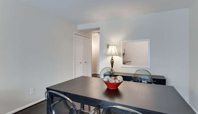 730 24th St NW Unit 312-small-011-Dining Room-666x444-72dpi
