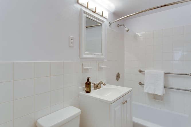 730 24th St NW Unit 312-small-023-Bathroom-666x444-72dpi