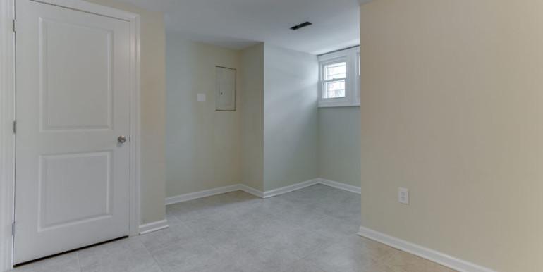 1031 10th St NE Washington DC-print-008-Bedroom-4200x2800-300dpi