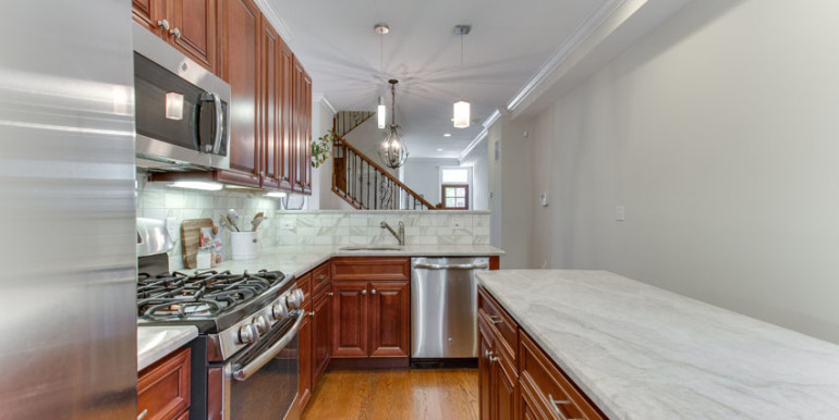 1031 10th St NE Washington DC-print-029-Kitchen-4200x2800-300dpi