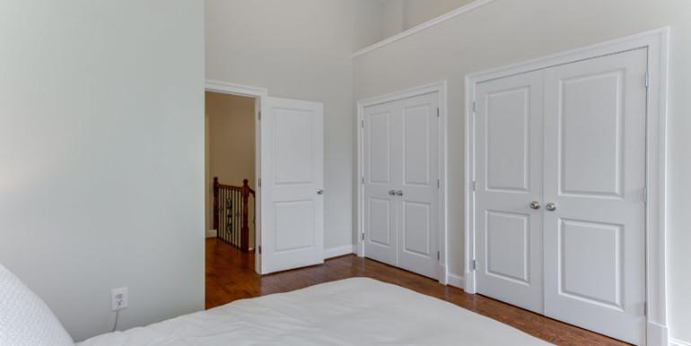 1031 10th St NE Washington DC-print-039-Master Bedroom-4200x2800-300dpi
