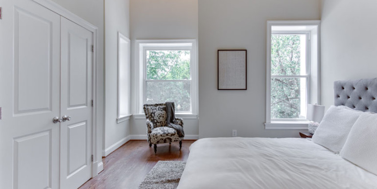1031 10th St NE Washington DC-print-041-Master Bedroom-4200x2800-300dpi