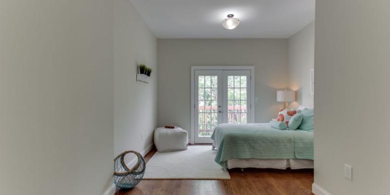 1031 10th St NE Washington DC-print-044-Bedroom-4200x2800-300dpi