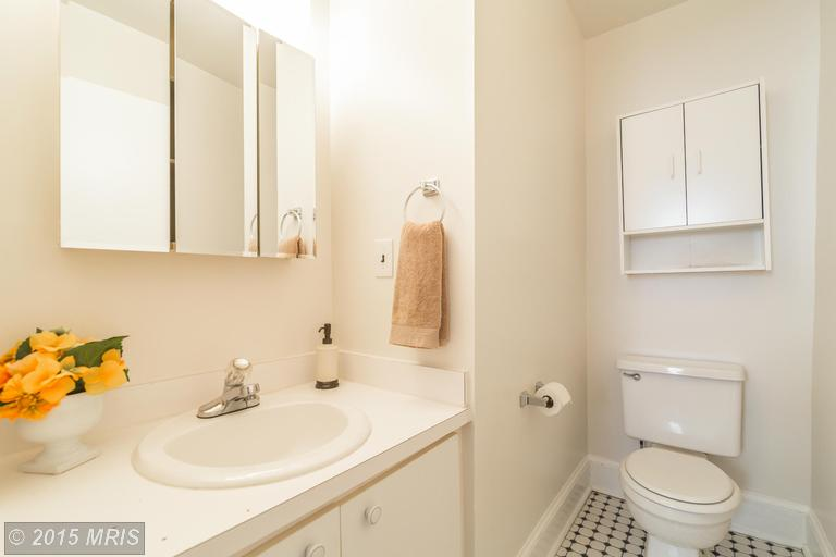 DC8643588 - Full Bathroom