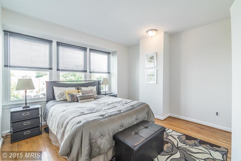 DC8643588 - Bright Bedroom
