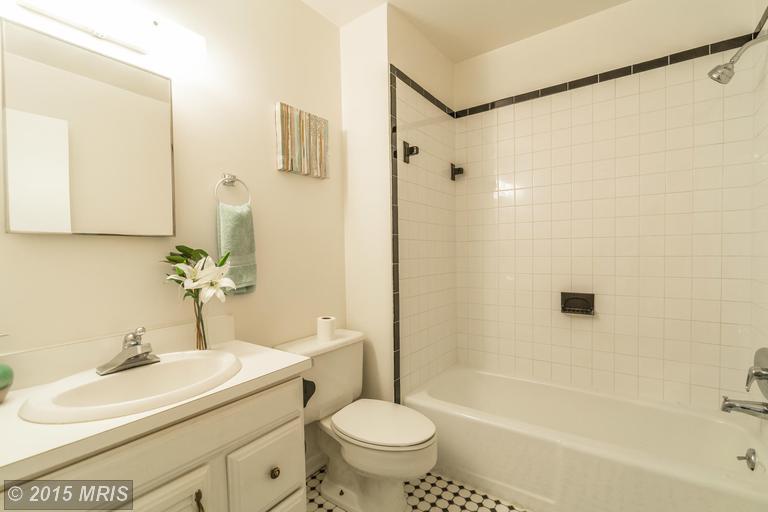 DC8643588 - Master Bathroom