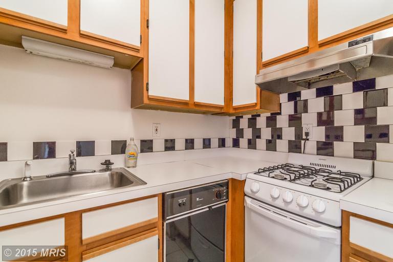 DC8643588 - Lower Unit Kitchen