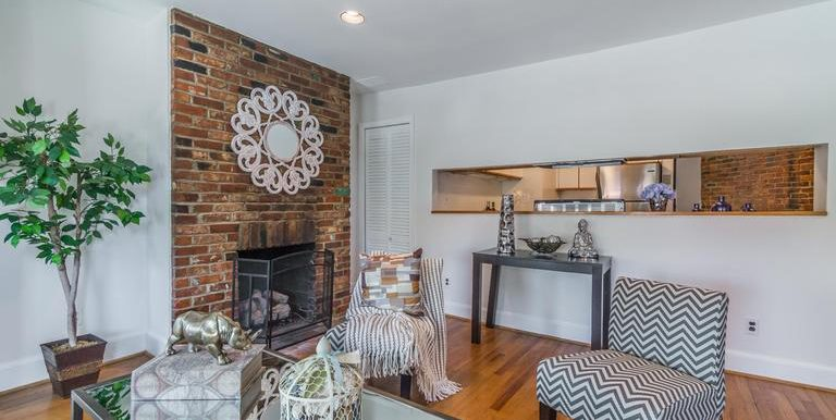 DC8643588 - Exposed Brick Walls