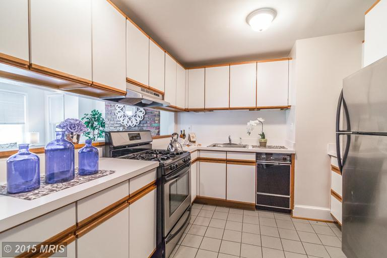 DC8643588 - Kitchen w/ Lots of Cabinet Space