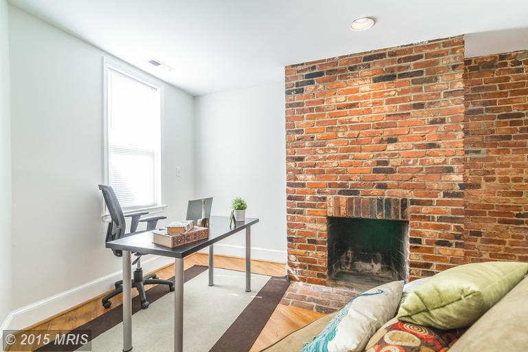 DC8643588 - Office or Living Area w/ Fireplace