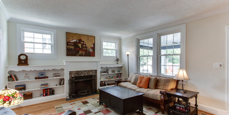 916 Decatur St NW Washington-large-010-9-Living Room-1500x1000-72dpi