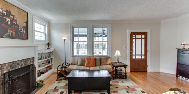 916 Decatur St NW Washington-large-011-17-Living Room-1500x1000-72dpi
