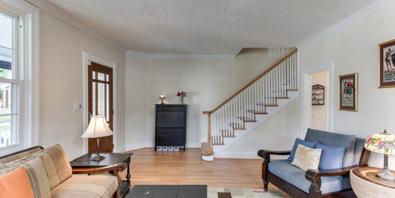 916 Decatur St NW Washington-large-014-12-Living Room-1500x1000-72dpi
