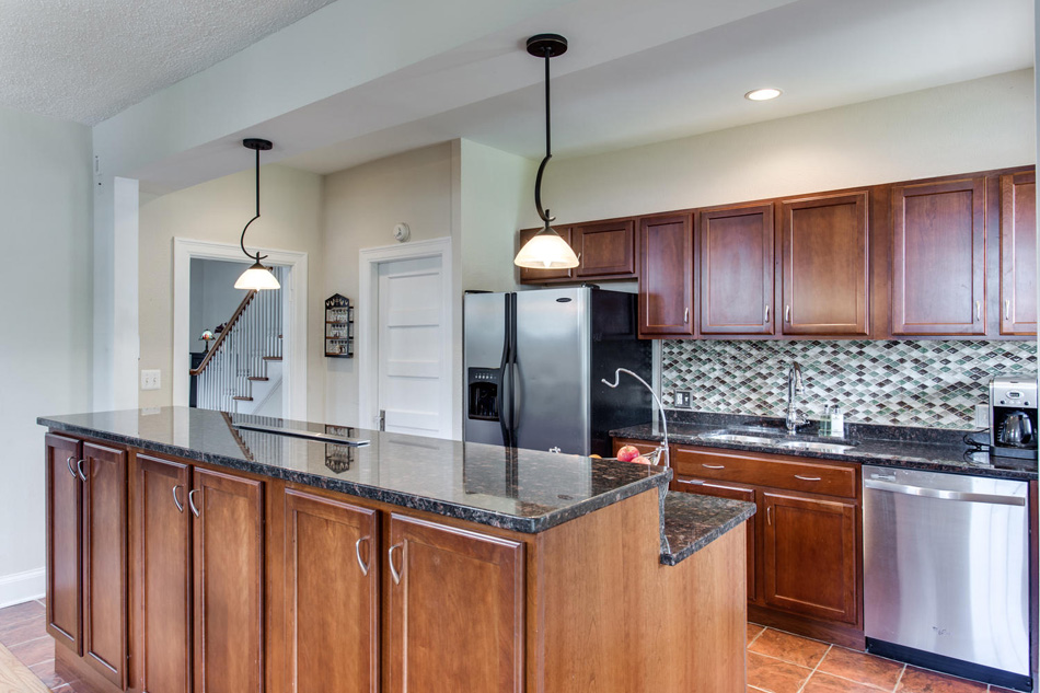 916 Decatur St NW Washington-large-024-25-Kitchen-1500x1000-72dpi