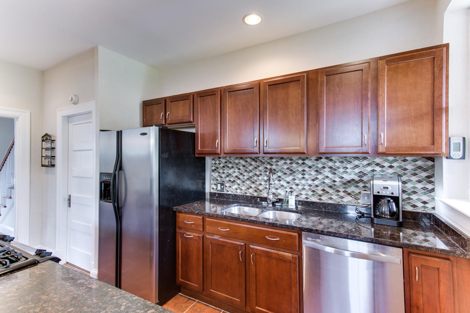 916 Decatur St NW Washington-large-025-22-Kitchen-1500x1000-72dpi