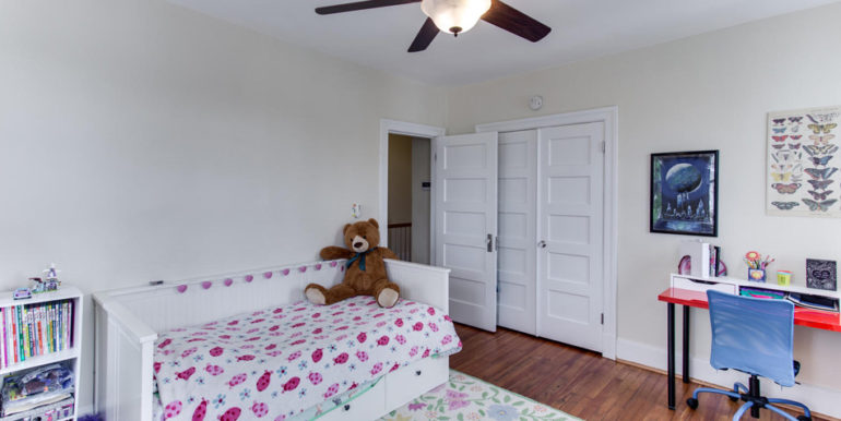 916 Decatur St NW Washington-large-032-26-Bedroom 2-1500x1000-72dpi