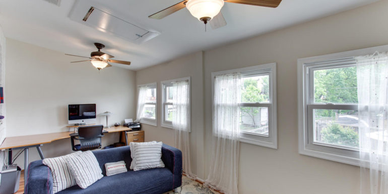 916 Decatur St NW Washington-large-038-40-Master Bedroom Sitting Room-1500x1000-72dpi