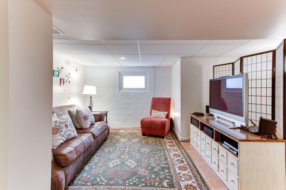 916 Decatur St NW Washington-large-043-35-Recreation Room-1500x1000-72dpi