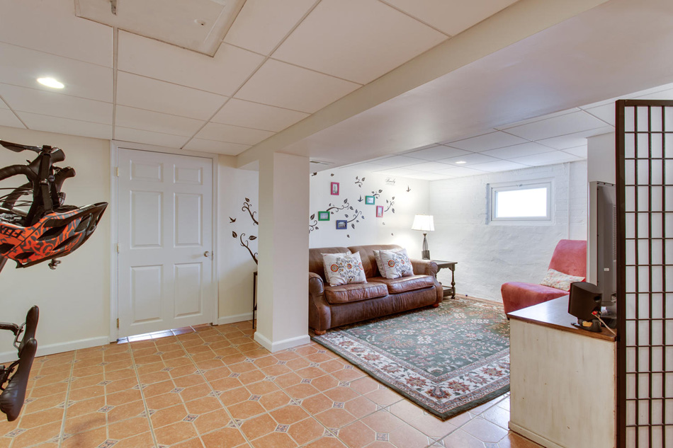 916 Decatur St NW Washington-large-044-43-Recreation Room-1500x1000-72dpi