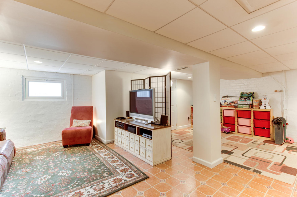 916 Decatur St NW Washington-large-045-46-Recreation Room-1500x1000-72dpi